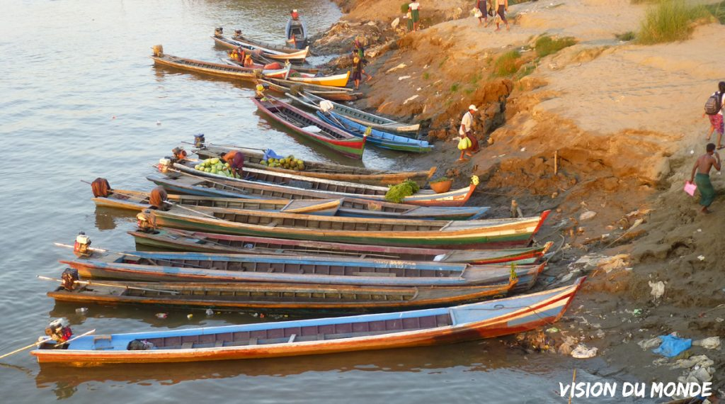 Pirogues en Birmanie