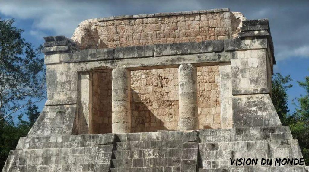 Temple Pyramide Maya